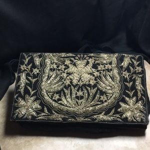 1920s-1930s Black Velvet Embroidered Finger Bag